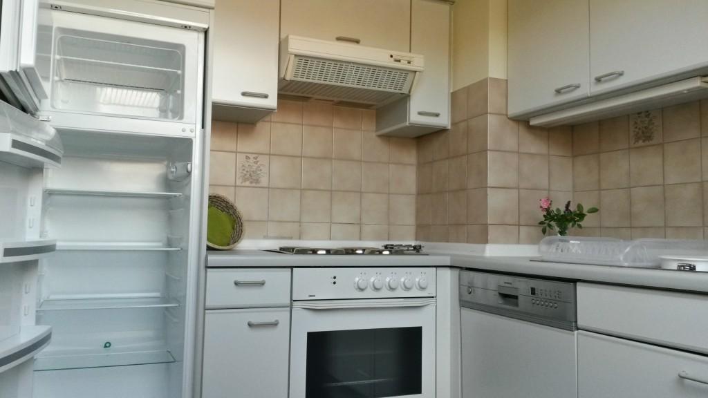 Küche - Kühl- und Gefrierschrank, Backofen, Herd, Spülmaschine