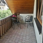 Blick aus dem Esszimmer auf den Balkon